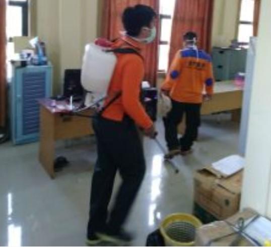 Kantor Dinas PCKTRP Kabupaten Sanggau Mendapat Giliran Untuk Melakukan Penyemprotan Desinfektan