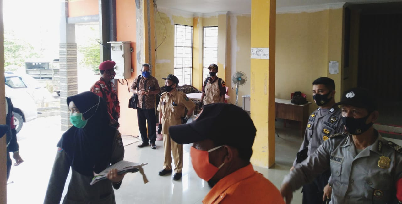 Satgas Covid-19 Melakukan Pengecekan Tehadap Protokol Kesehatan Kantor Dinas PCKTRP Kab. Sanggau